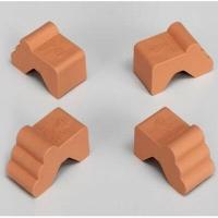 Giano opie 8 ποδαράκια παπουτσάκια για γλάστρες πλαστικό για πυλινες και πλαστικές γλάστρες. Διαστάσεις 8×4cm και ύψος 4,5cm ώστε το πιάτο να μπαίνει συρταρωτο απο κάτω. Σε χρώμα καφέ τερακοτα. Και βάφεται. Vasar telecom Italy