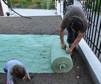 A   Turfquik Ετοιμο γκαζόν σπόρος σε πανι βιοδιασπώμενο με λιπασμα και σπορο γκαζον φεστουκα.Ευκολος πλέον τρόπος σποράς τοποθέτησης γκαζόν χλοοτάπητας στον κήπο σας!!!Με 3,5 ευρώ το τετραγωνικό μέτρο. Απλά το τοποθετείτε και ποτίζετε καθημερινά για αρχή