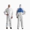3M φόρμα ψεκασμού  ολόσωμη 4540 λευκή τύπος 5/6. -  Χαρακτηριστικά και οφέλη: Εξαιρετική απόδοση φιλτραρίσματος έναντι λεπτών σωματιδίων και υγρών χημικών(πιτσιλίσματα) Κατηγορία ΙΙΙ (CE Τύπος 5/6) Μαλακό και ελαφρύ πλαστικοποιημένο μικροπορώδες υλικό που